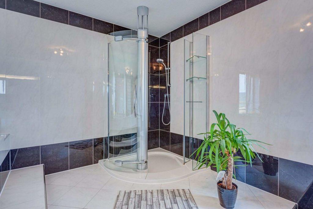 Dusche Suite