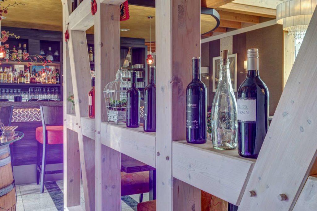 Einrichtung Bar
